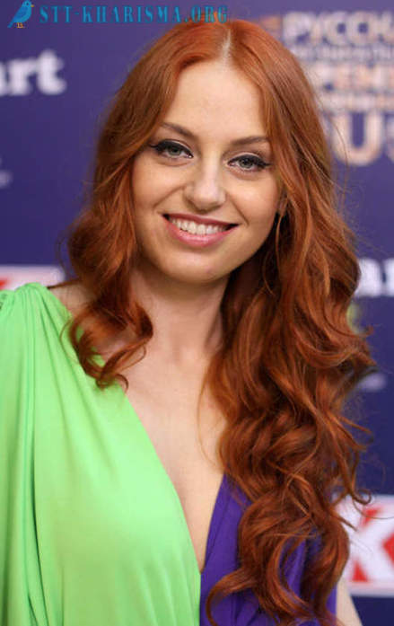 Russian celebrities c red hair
