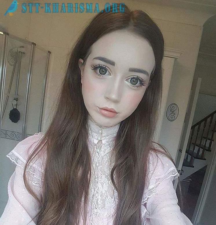 Hannah Gregory - British Barbie doll daunting guys his appearance