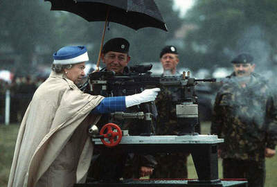 11 cool facts about the Queen of England, which will amaze you